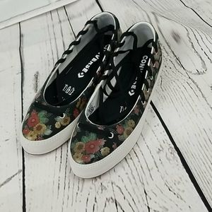NWT  CONVERSE ALL STAR CHUCK TAYLOR RINA FLORAL